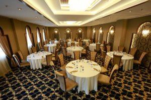 Liparis yemekli toplantı salonu