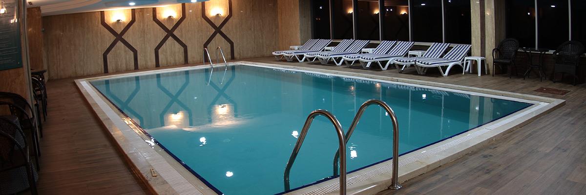 Liparis kapalı havuz